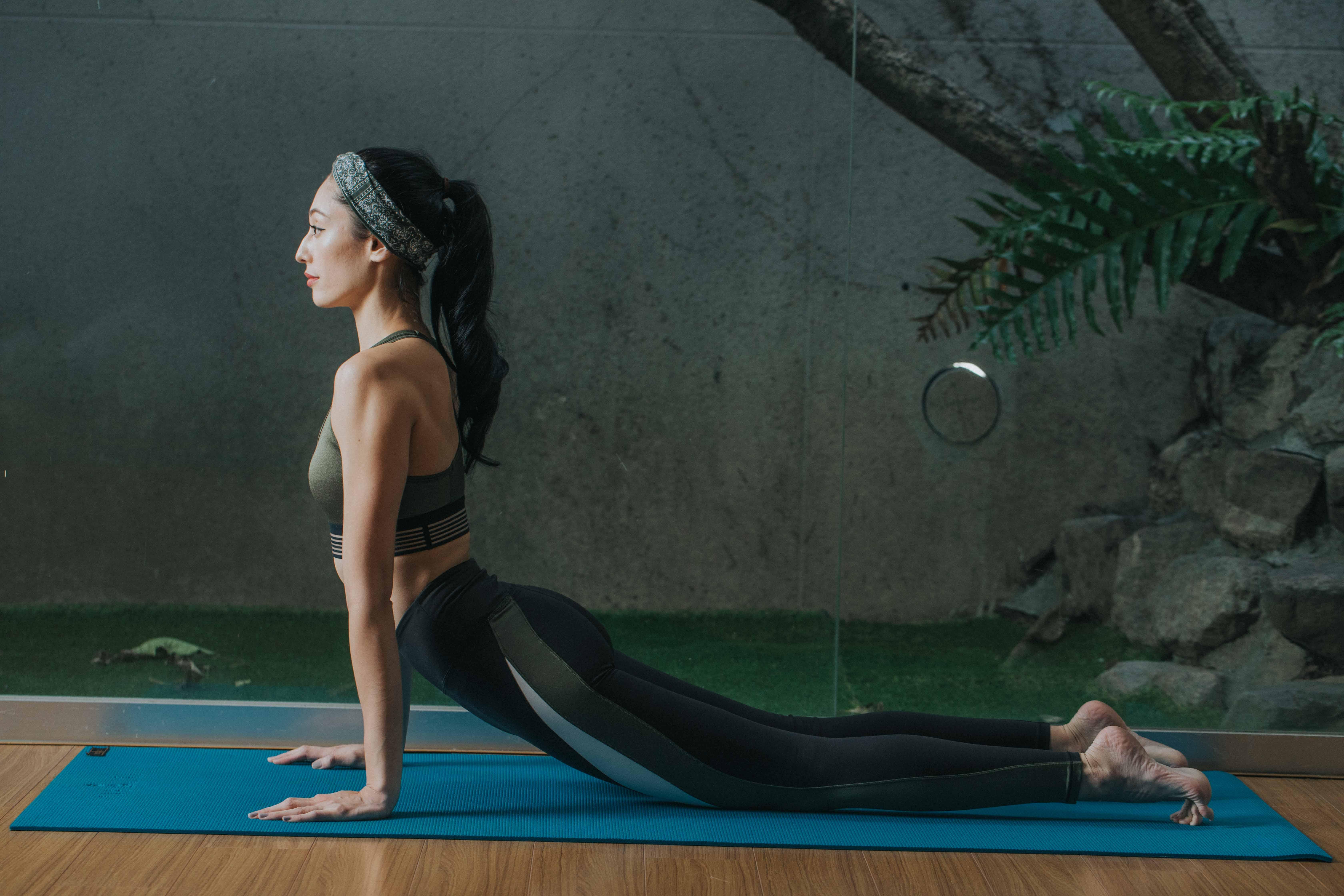 陰瑜珈動作扎實穩固身體肌肉
