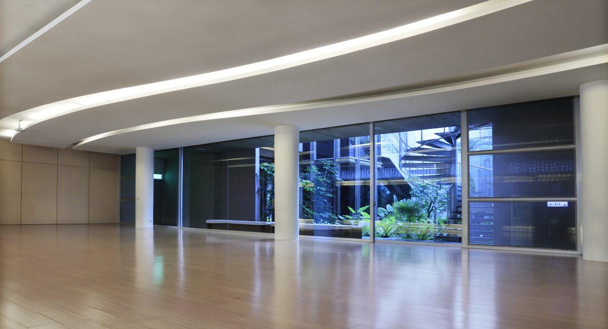 台中瑜珈推薦—乾淨寬敞的瑜珈教室