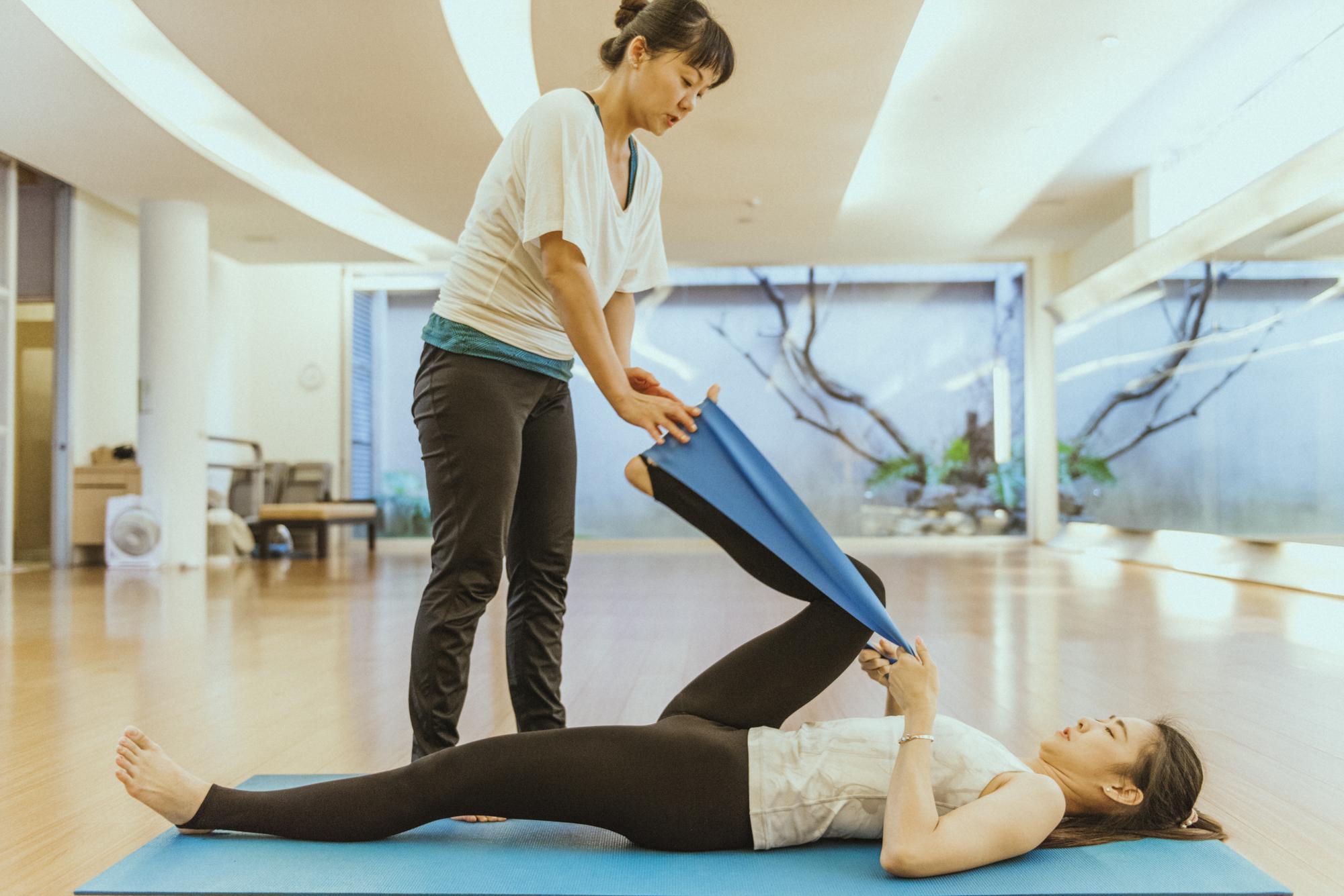 孕婦瑜伽不只舒緩懷孕初期腰痠,更放鬆身心